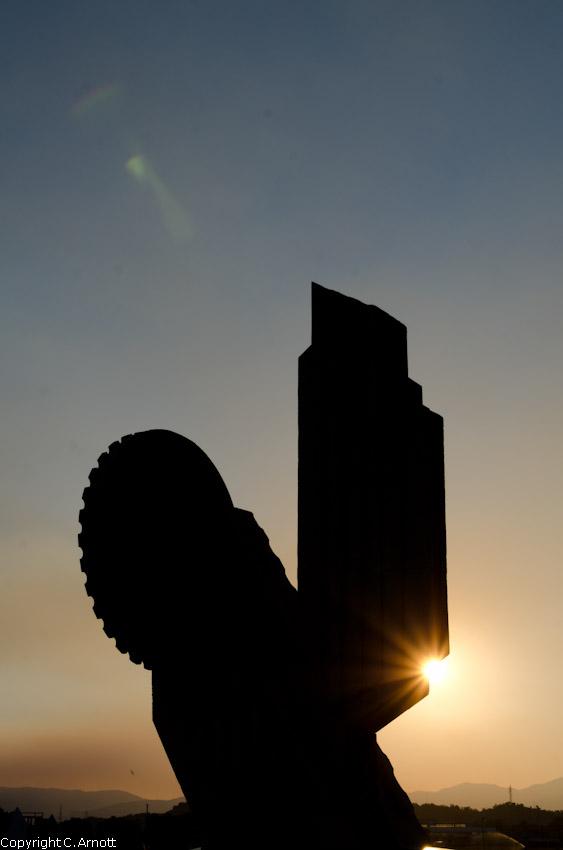 monument_37v