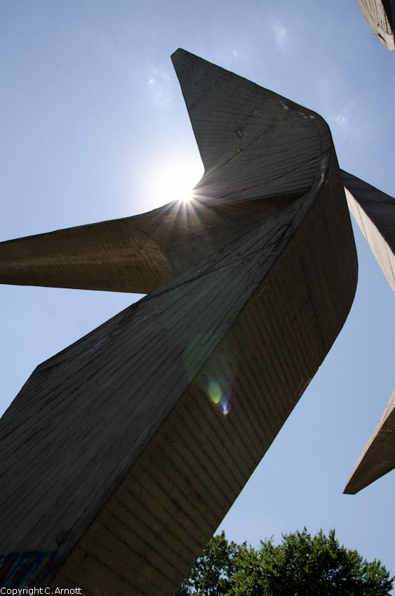 monument_4v